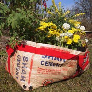 plantenzak gerecycled cementzak fair trade